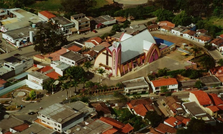 Infratores surpreendem frentistas e levam dinheiro de posto em Itamonte
