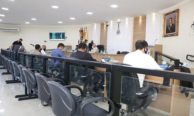 Câmara aprova requerimentos sobre alagamentos e decretos municipais